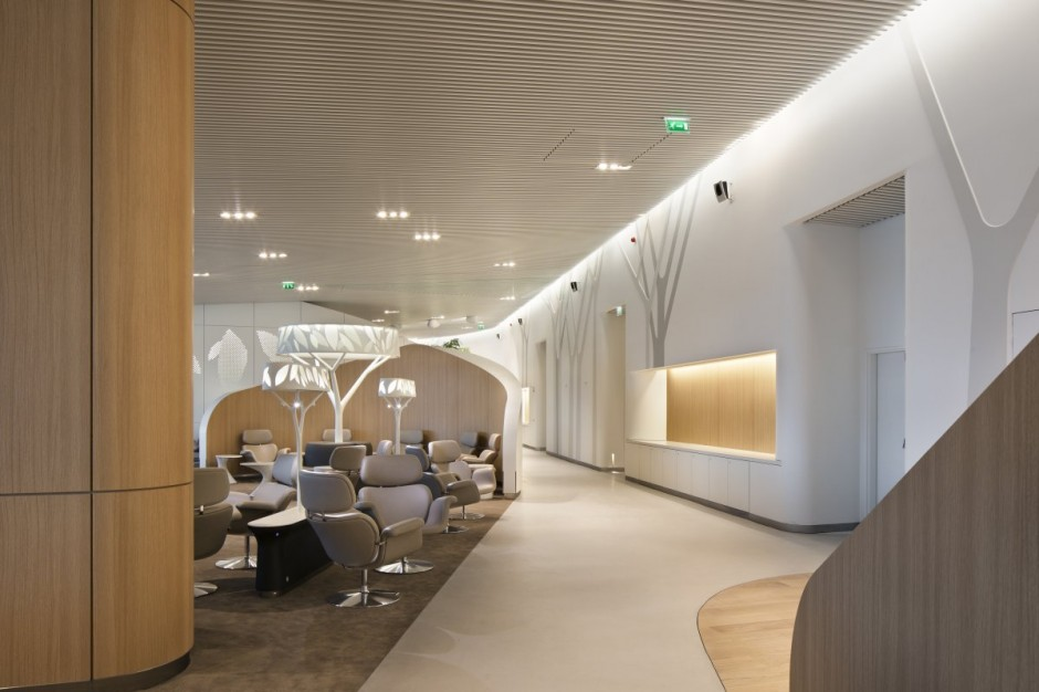 10 Spectacular Airport Lounges Around The Globe Impress With Their Unique  Designs