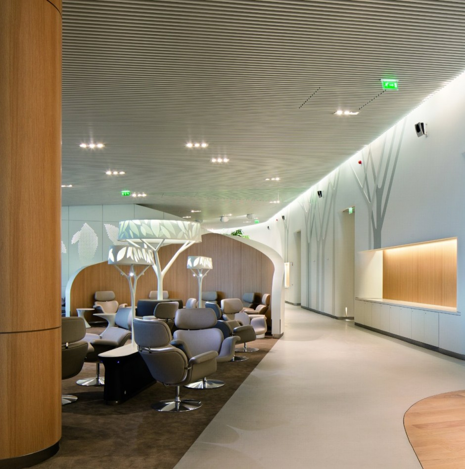 10 spectacular airport lounges around the globe impress for Interior designs for lounge