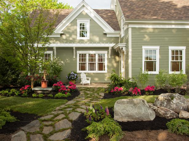 Dos and don ts of front yard landscape for Ideas for planting flowers in front yard