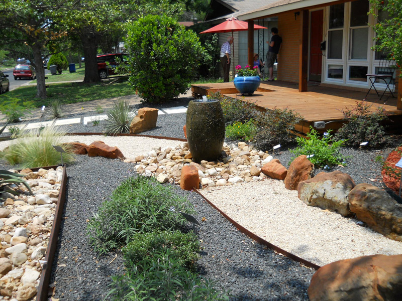 4 water feature - Front Lawn Design Ideas