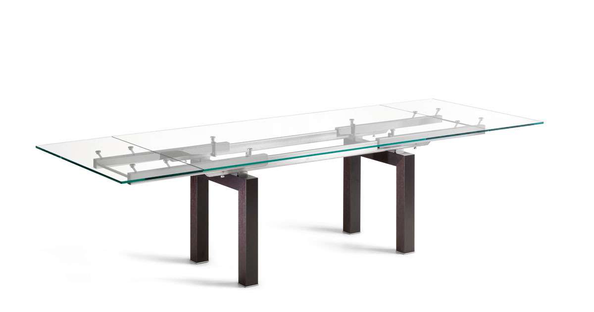 Expandable dining tables the secret to making guests for Table extensible toscana