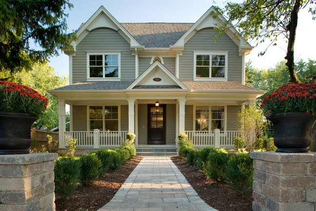 Curb appeal 20 modest yet gorgeous front yards for Styles of homes with pictures
