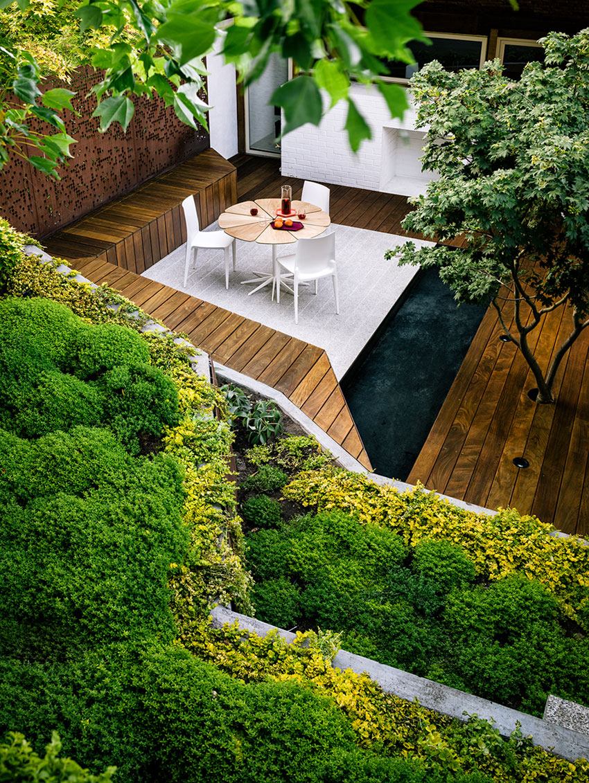 Spectacular Garden Takes Advantage Of The Sloping ... on Sloping Back Garden Ideas id=91513