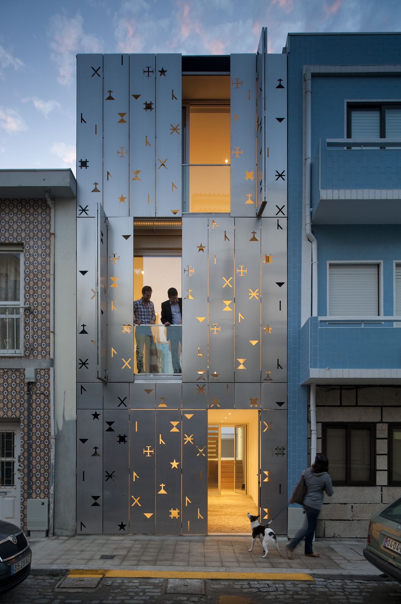 35 Cool Building Facades Featuring