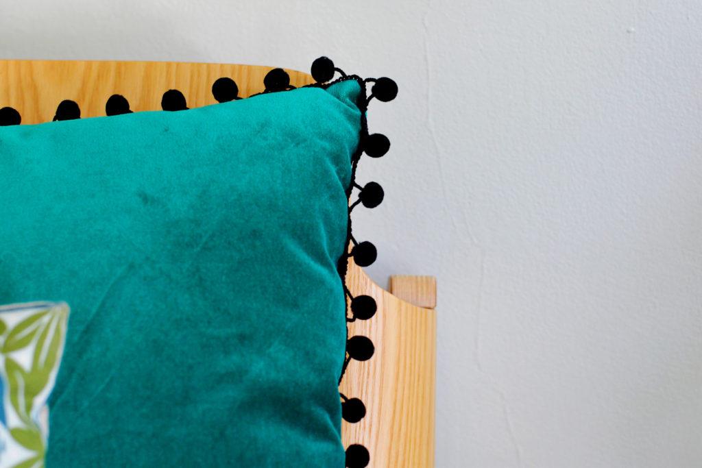 pom pom pillow DIY