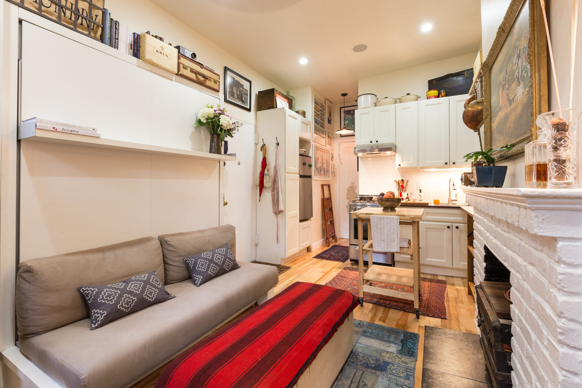 Awesome Couple Turns A 22 Sqm New York Apartment Into A Cozy Home