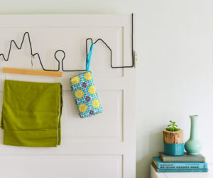 DIY Facade Wire Hanger