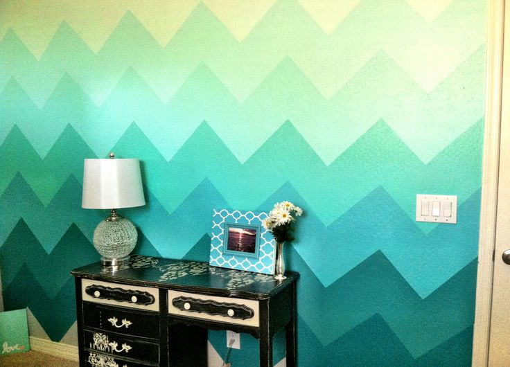 Cool Painting Ideas That Turn Walls And Ceilings Into A Statement - Ombre wall painting technique