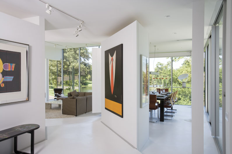 4. In the living room & Floor To Ceiling Windows: A New Way To Define Your Home pezcame.com