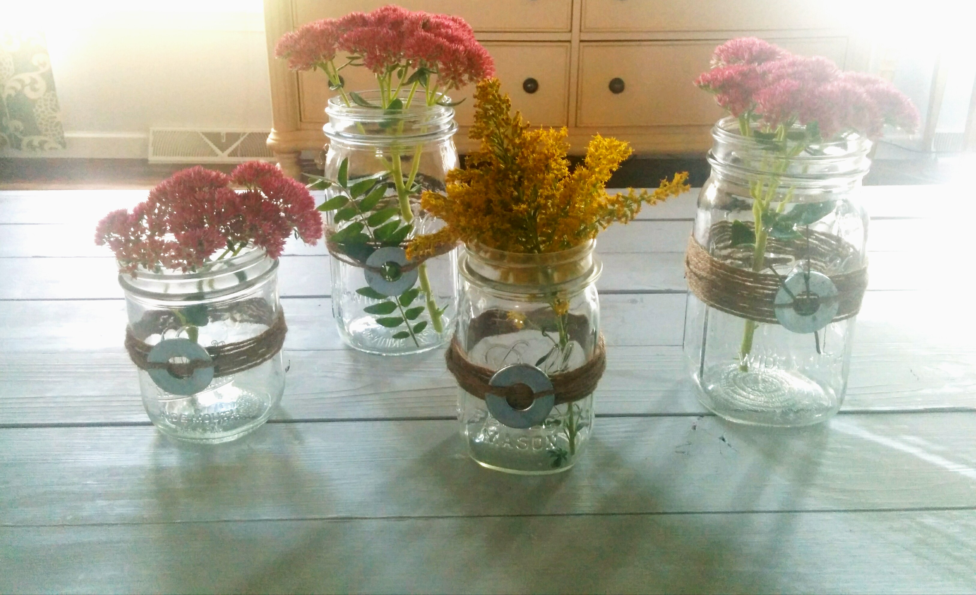 Quick diy mason jars and twine fall centerpieces for Home decor centerpieces