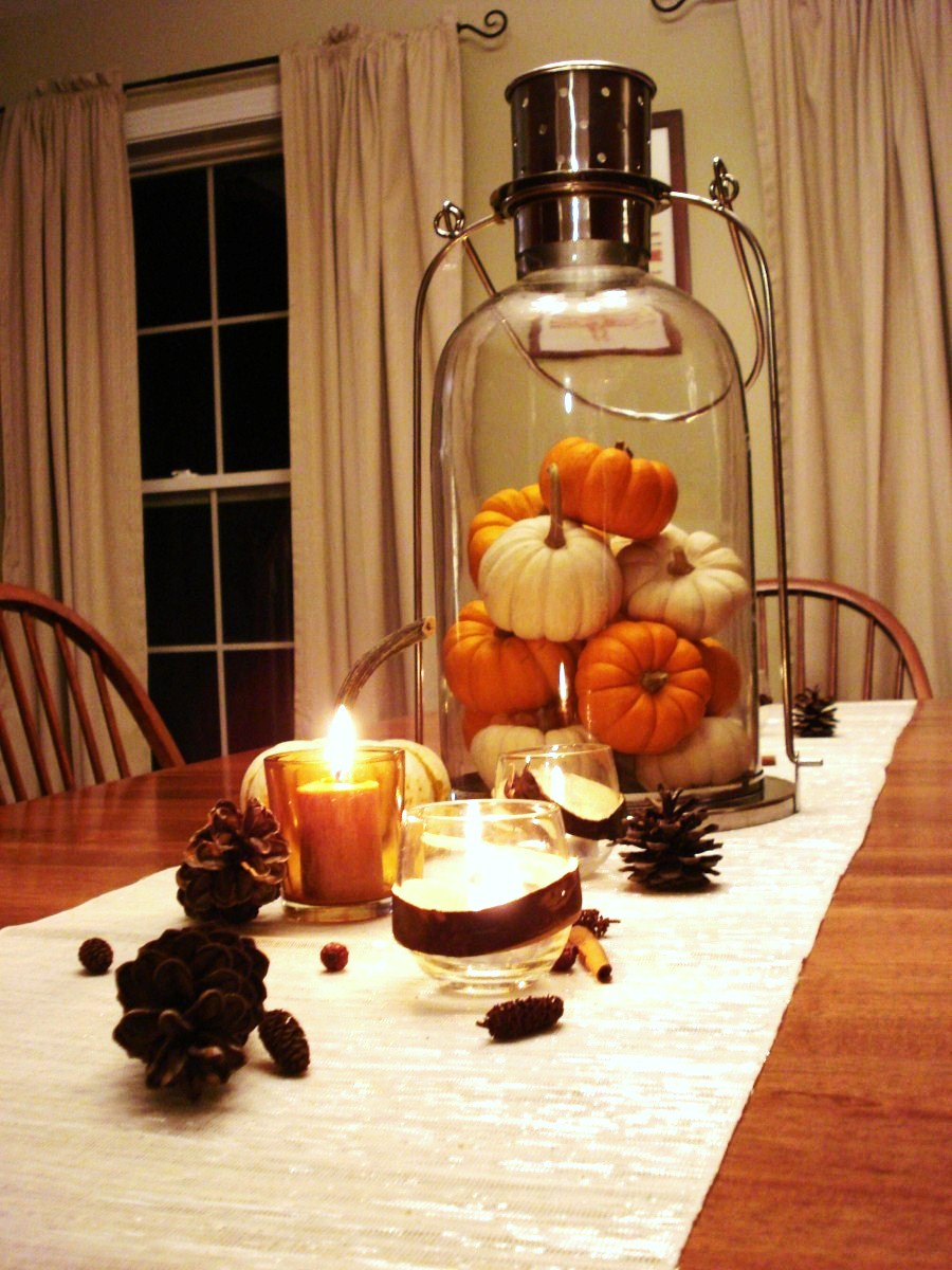 30 festive fall table decor ideas for Dinette table decorations