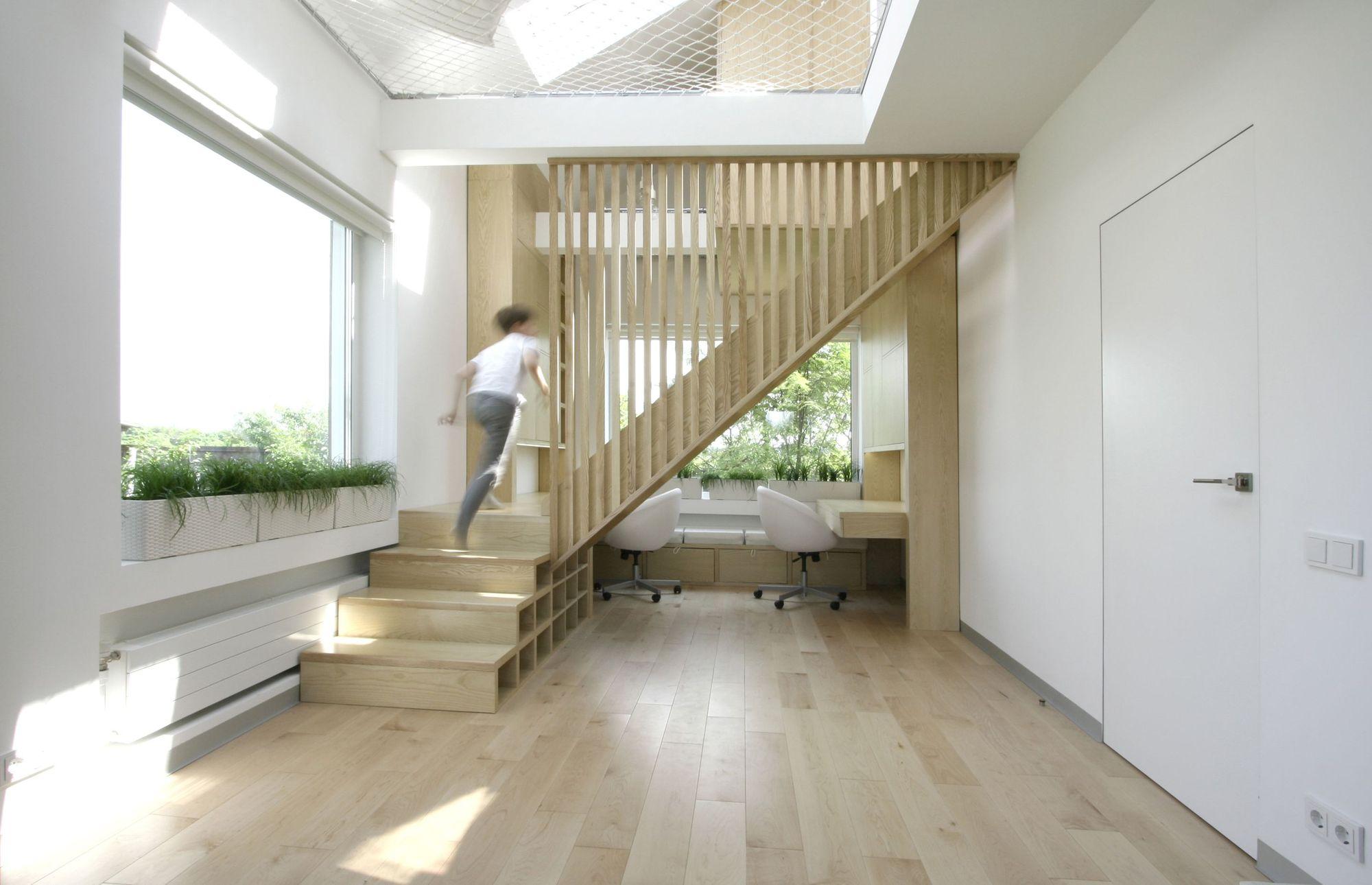 A Flexible Design Transforms A Studio Into A Work And Study Paradise