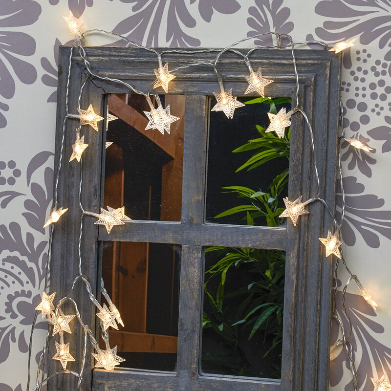 40 Light Novelty String Light - How You Can Use String Lights To Make Your Bedroom Look Dreamy