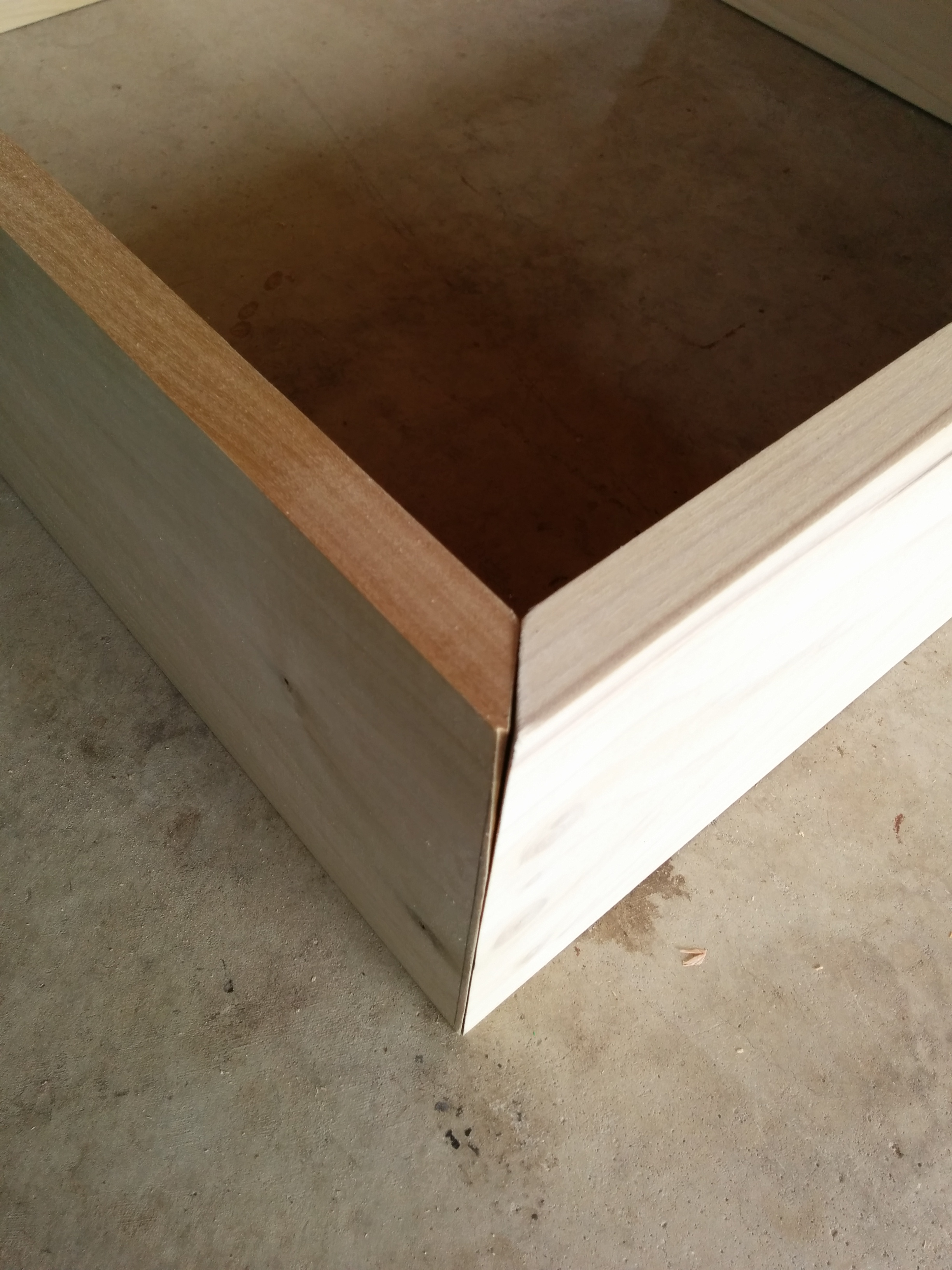 DIY-storage-box-45-angle-corner