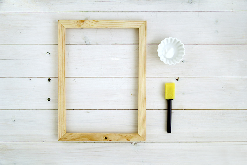 White washed picture frames materials