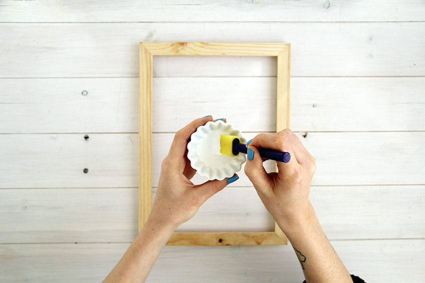 White washed picture frames mix paint