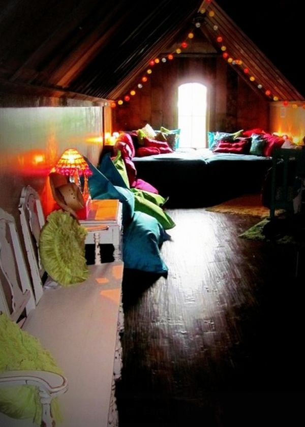 How You Can Use String Lights To Make Your Bedroom Look Dreamy - Rope lights in bedroom