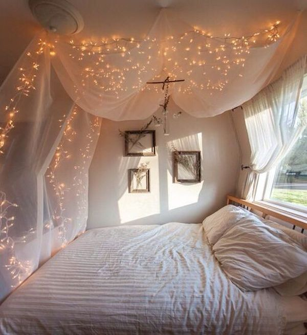 How You Can Use String Lights To Make Your Bedroom Look Dreamy - Fairy lights in a bedroom