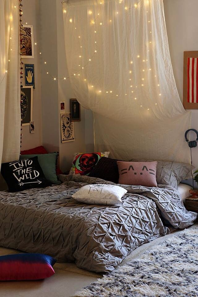 View in gallery & How You Can Use String Lights To Make Your Bedroom Look Dreamy