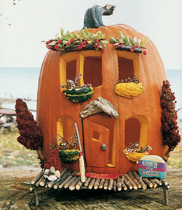 13 ideas to take your pumpkins from drab to fab for Decoration maison winners