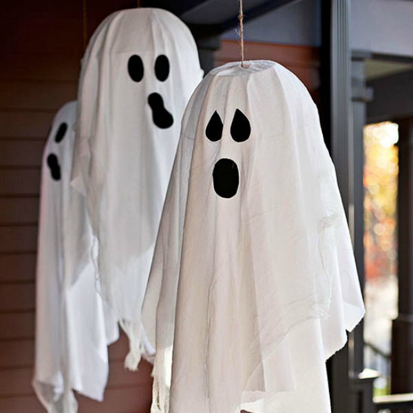 15 decorations for an un scary halloween for Ghost decoration ideas