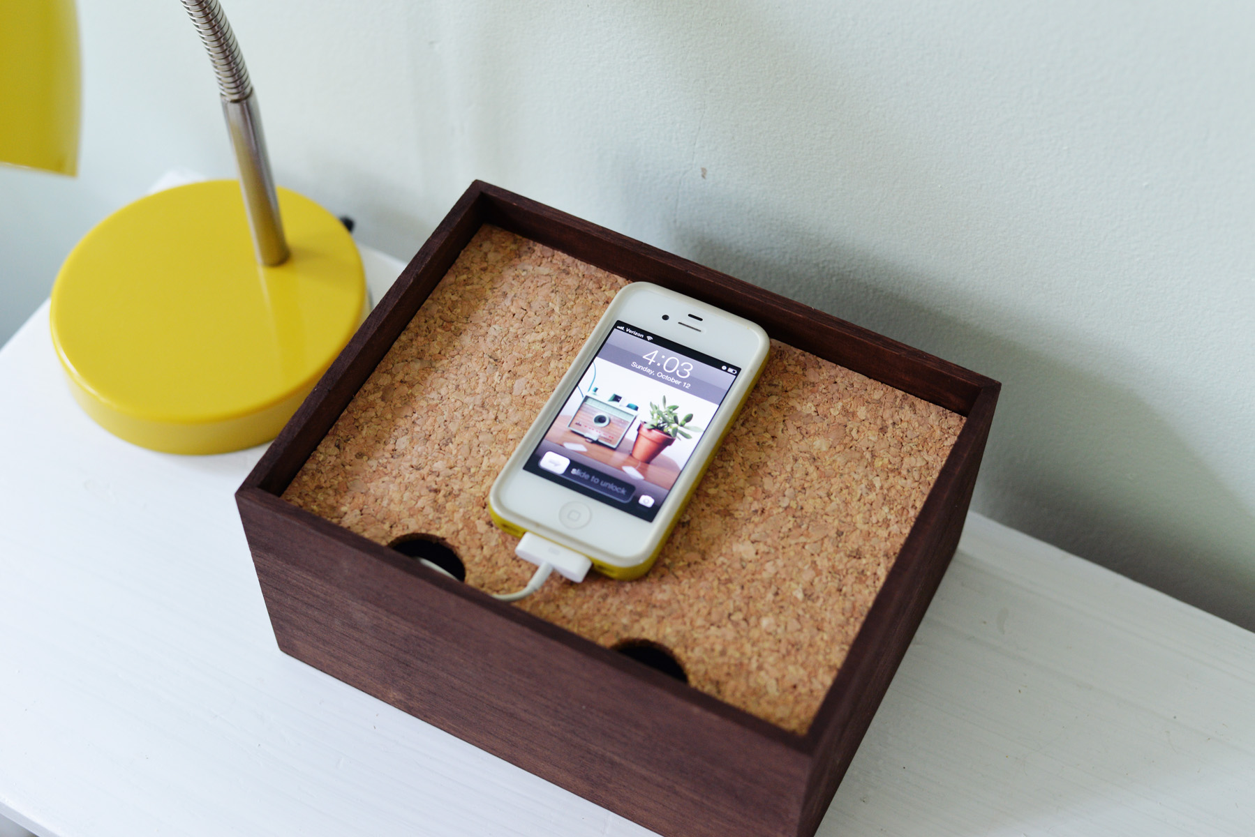 diy charging dock. Black Bedroom Furniture Sets. Home Design Ideas