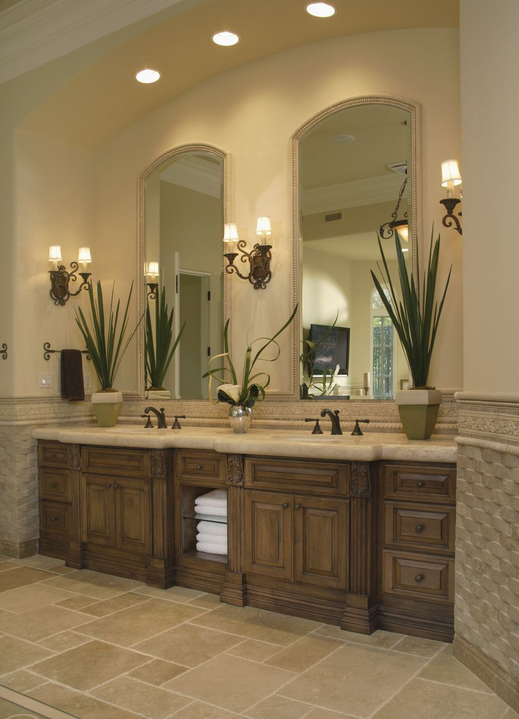 Rise and shine bathroom vanity lighting tips for Master bathroom double vanity
