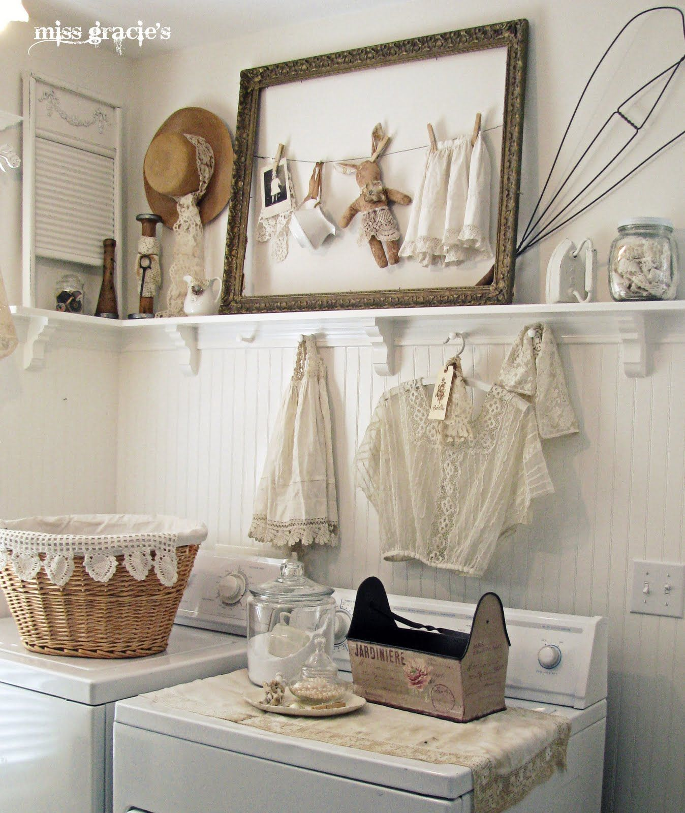 Great Shabby Chic Laundry Room.
