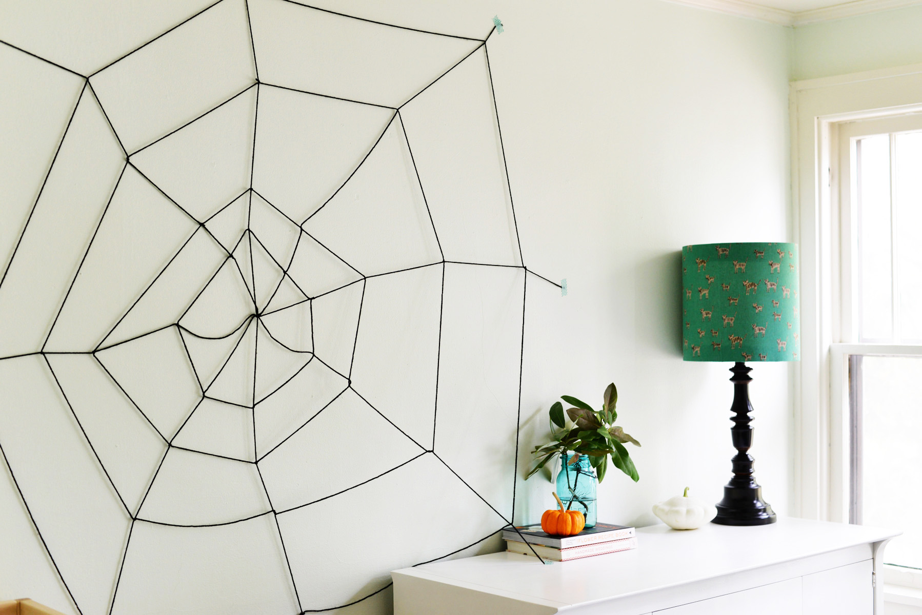 simple yarn spider web