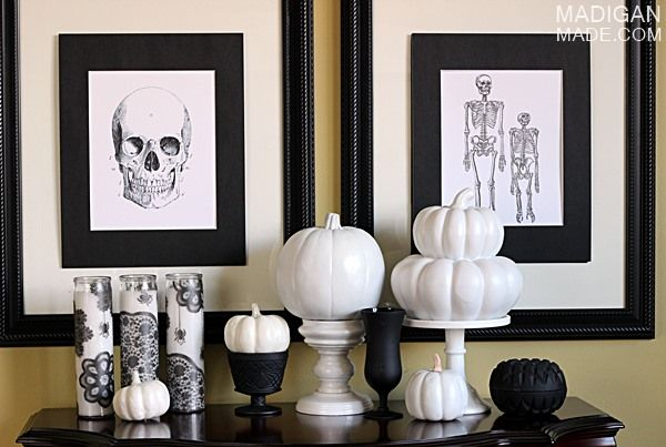 Black And White Decorating 20 super scary halloween decorations