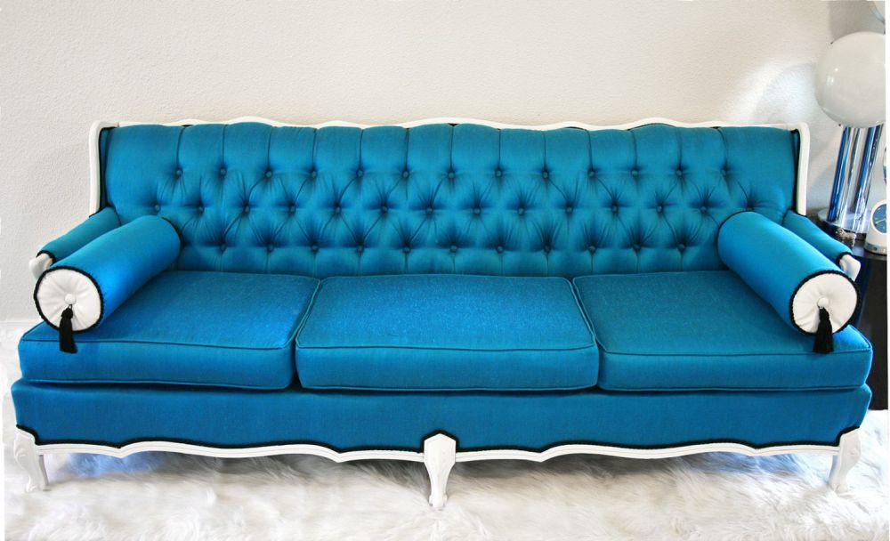 Charmant Tufted Teal Sofa.