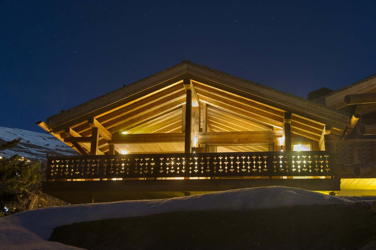 Luxury, Comfort And Spectacular Mountain Views At The Sherwood Chalet
