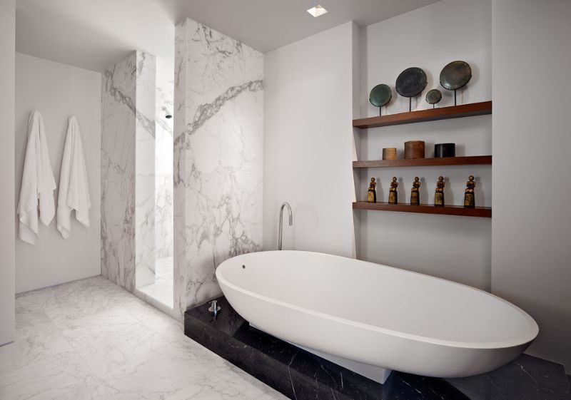 sophisticated bathroom designs that use marble to stay trendy