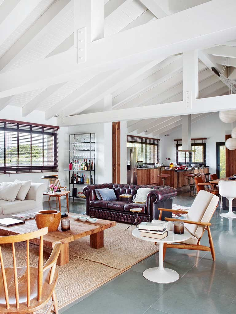 Modern, Vintage And Industrial Accents Share A Holiday Home