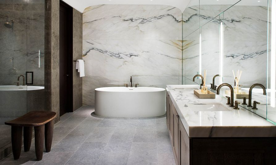 Sophisticated bathroom designs that use marble to stay trendy for Unique small bathroom designs