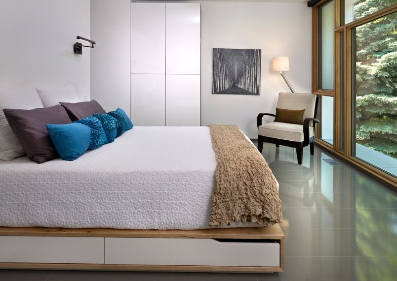Make the most of your bedroom with hidden bed drawers - Bedroom with mattress on the floor ...
