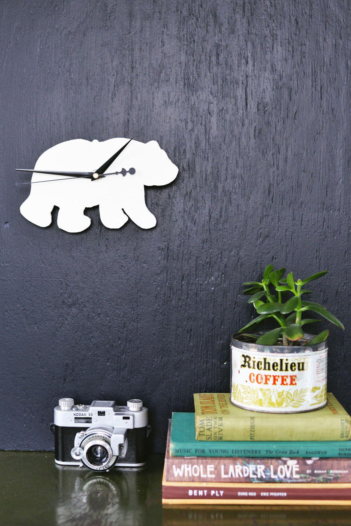 DIY Silhouette Animal Clock Nice Look