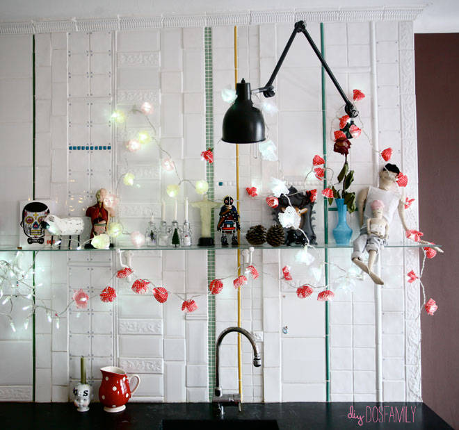 23 christmas party decorations that are never naughty always nice diy twinkle lights garland solutioingenieria Choice Image