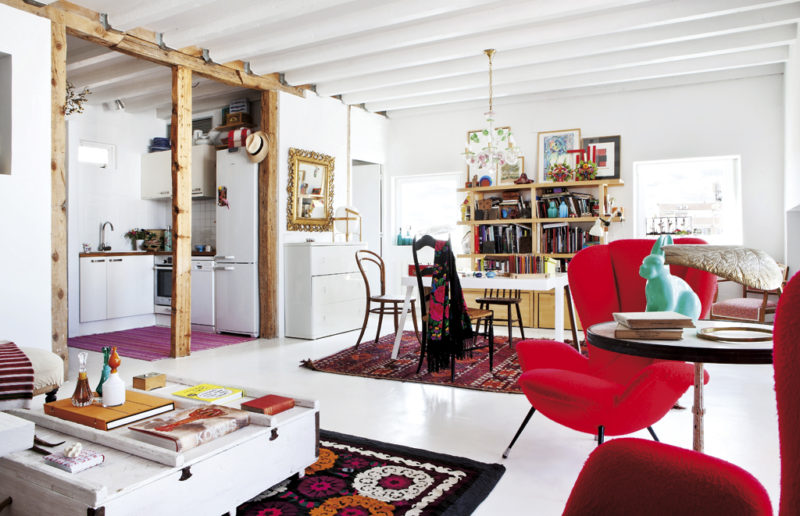 Madrid Penthouse Exudes Rustic Flavor And Artistic Appeal