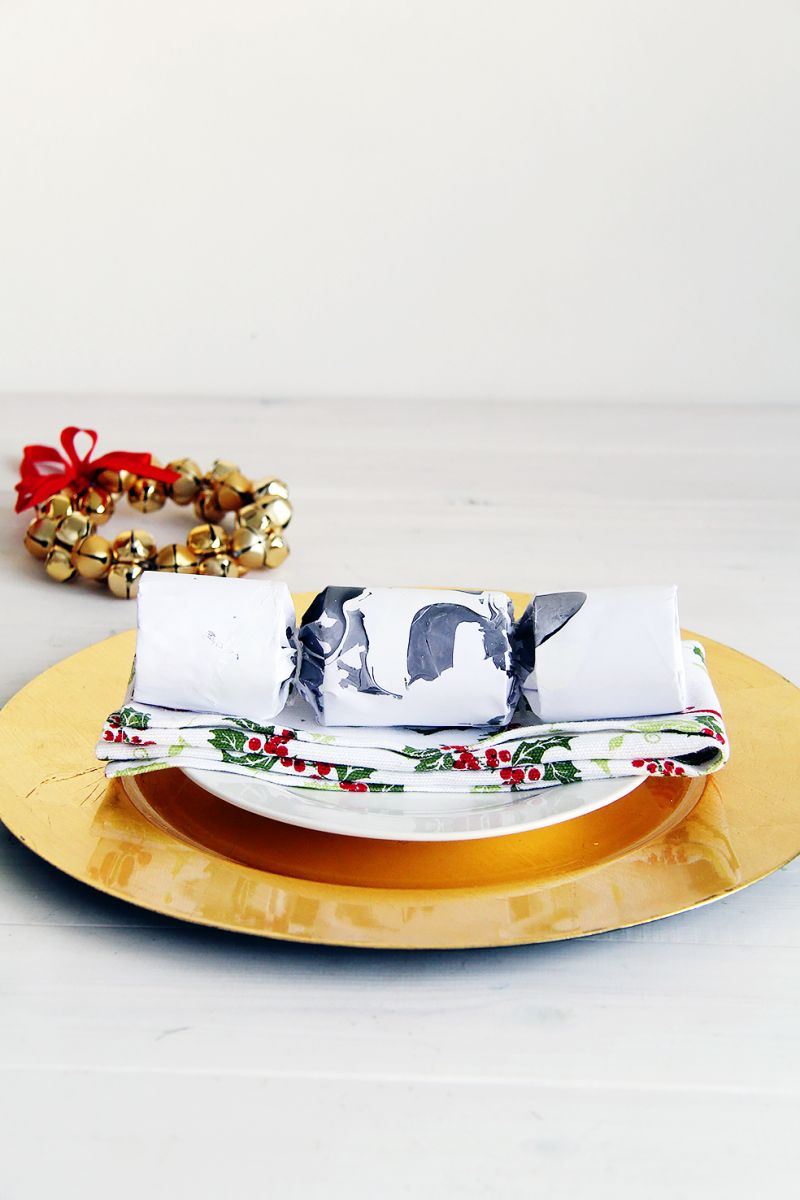 Marbled-Christmas-Crackers-Step14