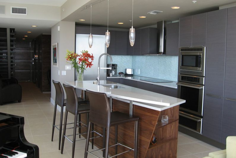 Stylish Ways To Work With Gray Kitchen Cabinets - Wood cabinets grey countertops