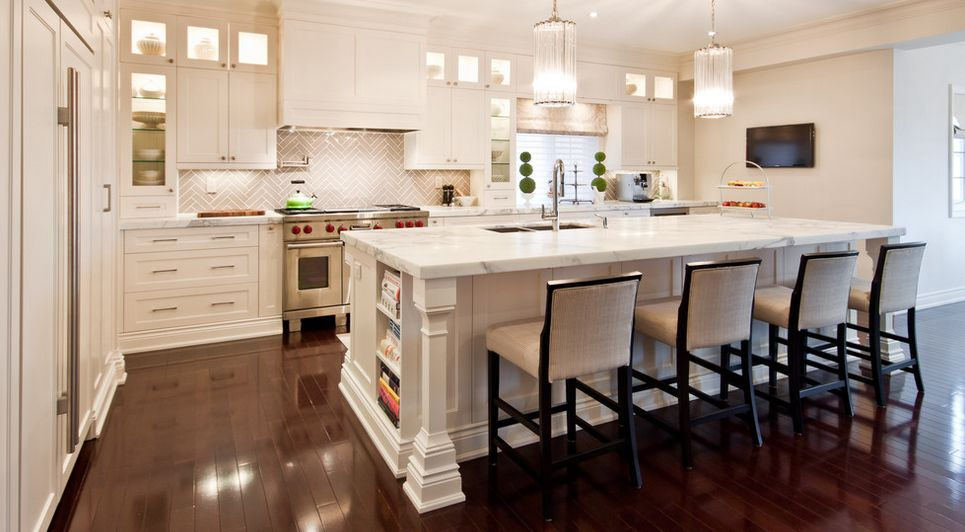 Kitchen backsplashes dazzle with their herringbone designs for Kitchen designs houzz