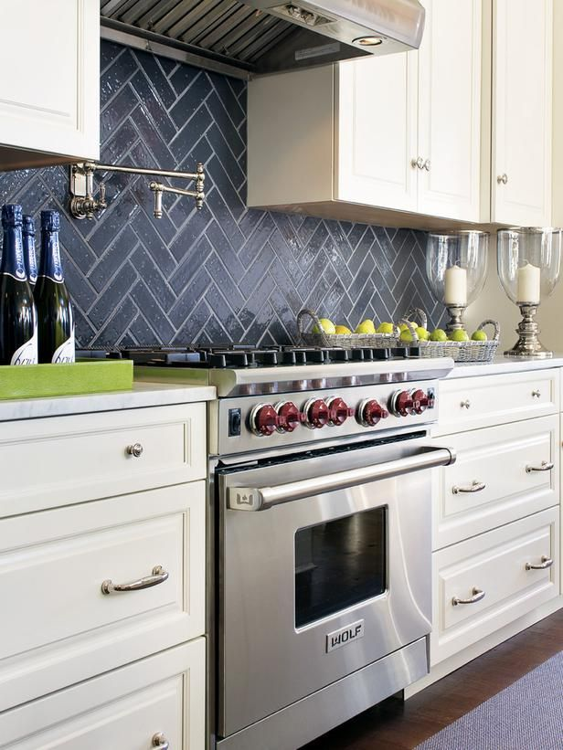 Kitchen Backsplashes Dazzle With Their Herringbone Designs New Tile Designs For Kitchens Property