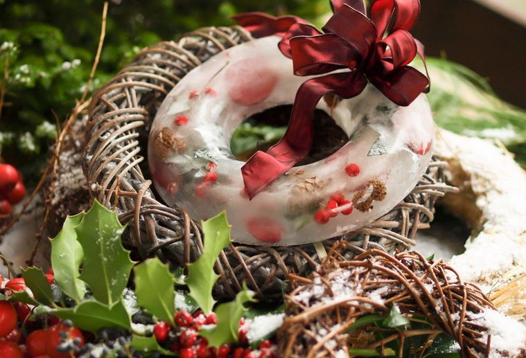 Naughty Christmas Party Ideas Part - 31: Christmas Ice Wreath.