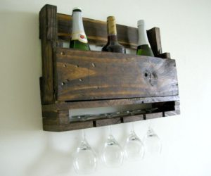 DIY Wall-Mounted Wine Racks Made Of Pallets