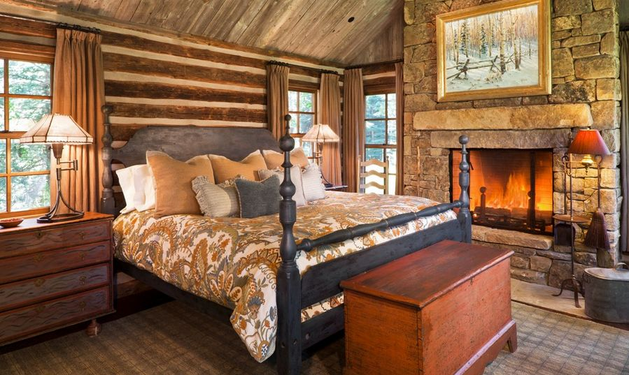 Stone And Wood Make A Dark Masculine Interior: How To Design A Rustic Bedroom That Draws You In