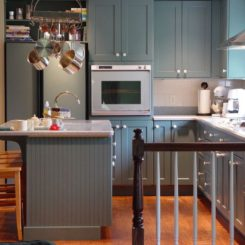 Contemporary kitchen cabinets for a posh and sleek finish - Stylishly modern kitchen islands additional work surface ...