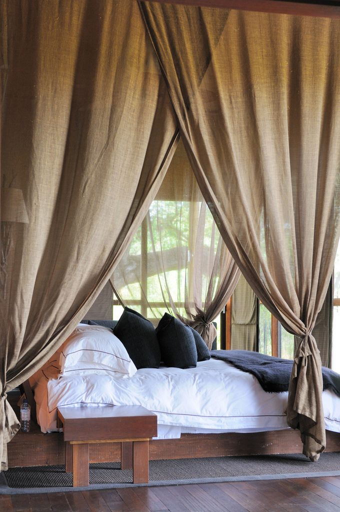 Amazing How To Create Dreamy Bedrooms Using Bed Curtains