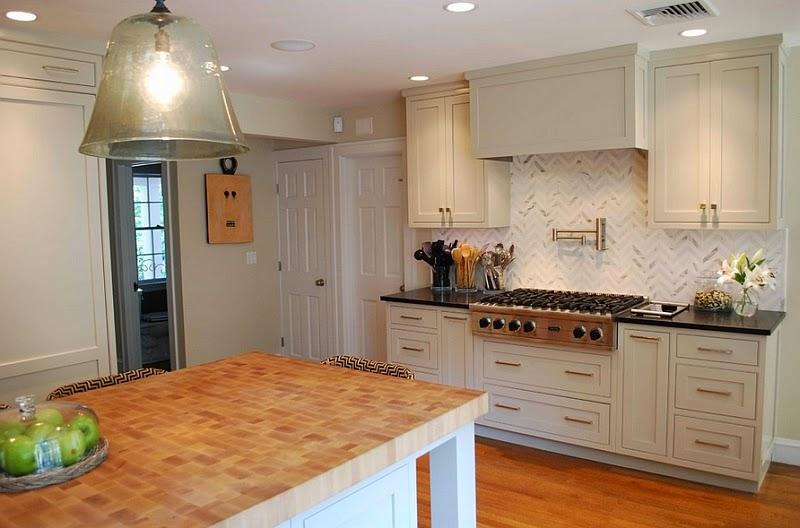 Great Kitchen Backsplashes Dazzle With Their Herringbone Designs