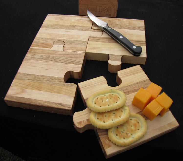 Cool cutting board designs images for Puzzle cutting board plans